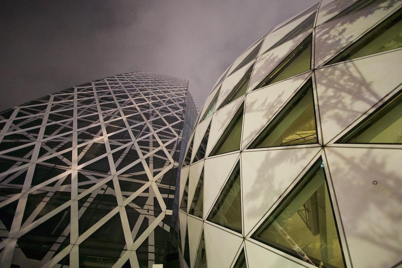 Futuriste -Japon-Tokyo-Shinjuku-01- Photographie urbaine, par Muriel Marchais